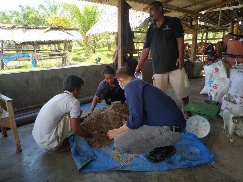 Dosen USU Fasilitasi Pembuatan Taman Wisata Edukasi Pertanian Peternakan dan Perikanan di Desa Batu Melenggang Langkat