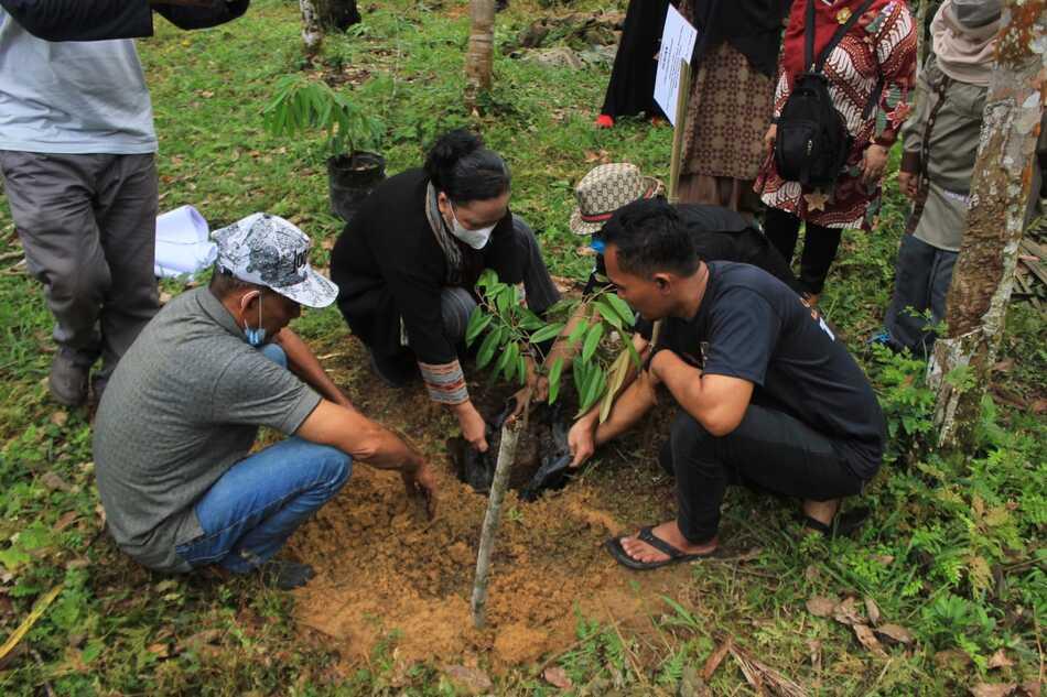 Merintis Desa Wisata serta Mitigasi Konflik Manusia dan Harimau melalui Desa Binaan USU