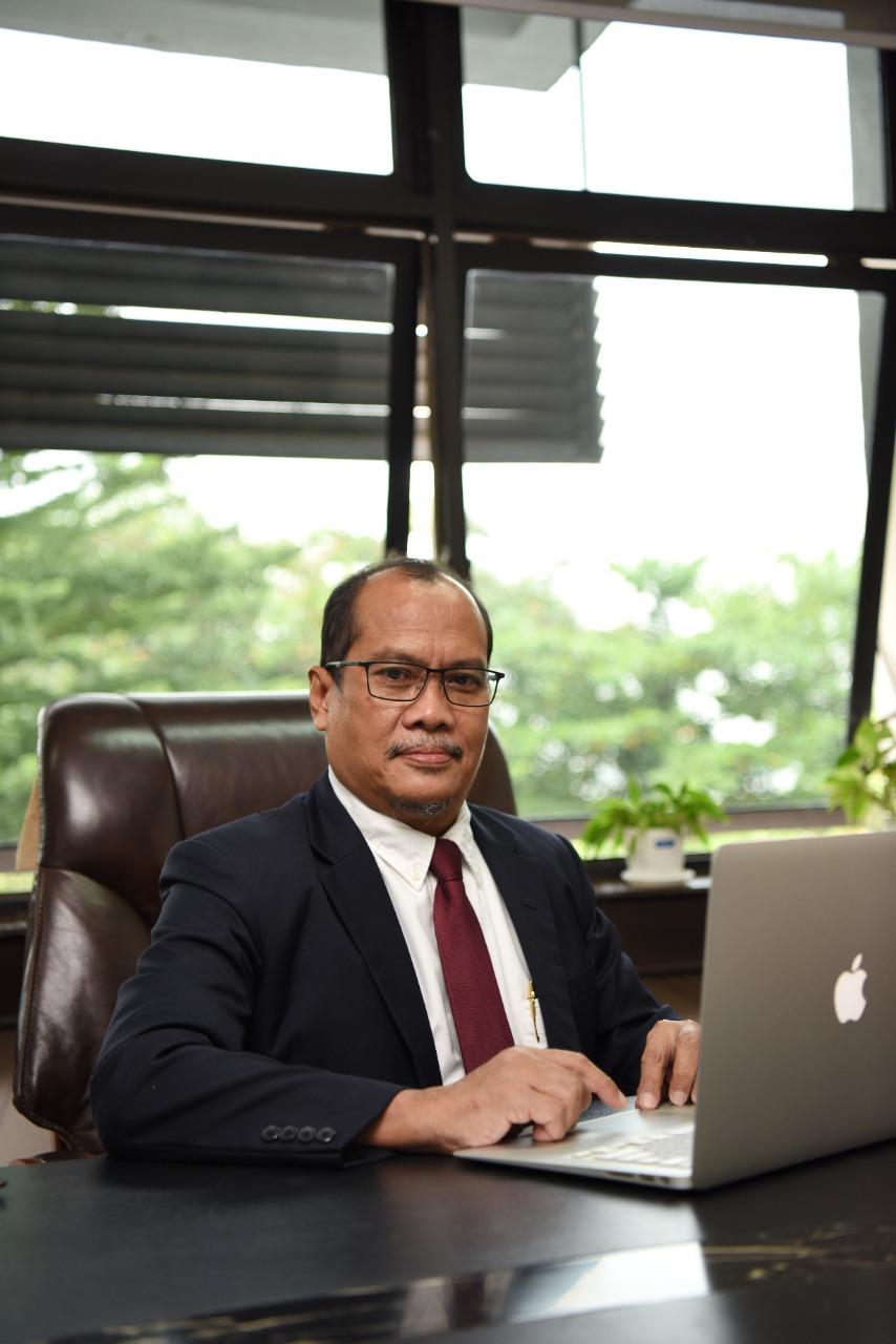 Dr Edy Ikhsan, SH, MA